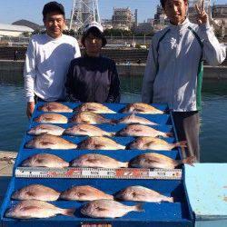 マリーナシティ海洋釣り堀 マダイはいぜん好調です