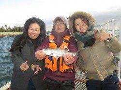尼崎市立魚つり公園 ウキ釣りでセイゴ14匹とキビレ3匹、タナは4ヒロ