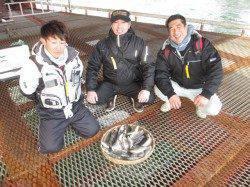 今年は青物の当たり年です! 尼崎市立魚つり公園でブリ89cm