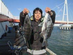 尼崎市立魚つり公園 チヌ高活性でした☆チヌは柱周りを狙ってください