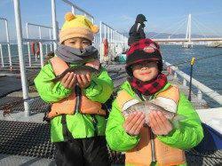 尼崎市魚つり公園 ウキ釣りでハネ&セイゴの釣果