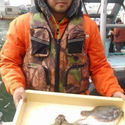 岸和田一文字 沖の北にて青イソメをエサに竿1本でカレイ5匹キャッチ!