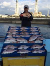 和歌山マリーナシティ海洋釣り堀 マダイ24尾!