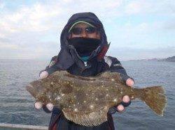 須磨海釣り公園 ウキ流し釣りでヒラメ42cm