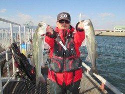 尼崎市立魚つり公園 エビ撒き浮き釣りでセイゴ・ハネ