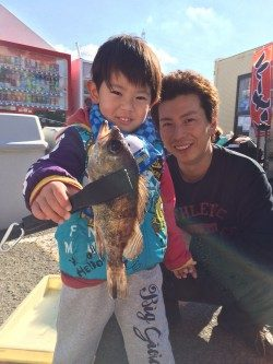 和歌山マリーナシティ海釣り公園 ファミリーフィッシングでメバル24cm