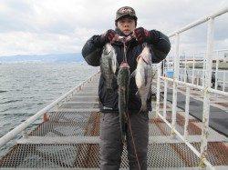 尼崎市立魚つり公園 エビ撒きでハネ&セイゴ&チヌ