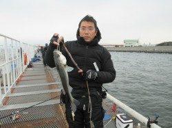 尼崎市立魚つり公園 シラサでハネ・チヌ