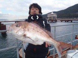 須磨海づり公園でマダイ70cm