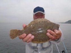 須磨海釣り公園 投げ釣りでカレイ35cm