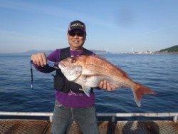神戸市立須磨海づり公園 ウキ流し釣りでマダイの釣果
