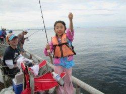 尼崎市魚つり公園 サビキでアジ・イワシ・サバなど