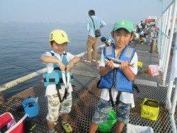 尼崎市立魚つり公園 ウキ釣りでサヨリ、アジ