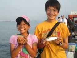 尼崎市立魚つり公園 サビキ好調!良型サバも