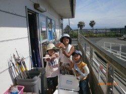 大阪南港海釣り公園 サビキ釣りが依然好調!