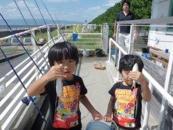 大阪南港海釣り公園 アジ1500匹!