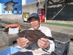 神戸市立平磯海づり公園 良型ウマヅラ
