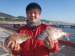 神戸市立須磨海づり公園 カゴ釣りでマダイ
