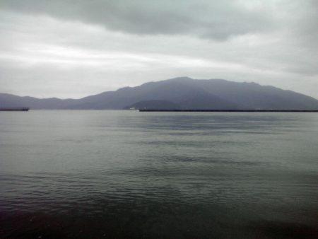 静かな、静かすぎる海でした。。。