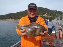 須磨海釣り公園 投げ釣りでカレイ30cm