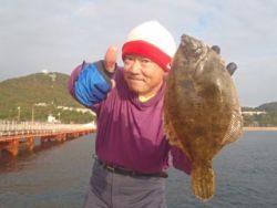 神戸市立須磨海づり公園 投げ釣りで良型カレイ♪