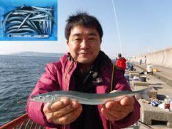 平磯海釣り公園 ウキ釣りでサヨリ45尾