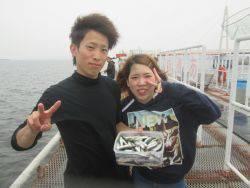 サビキで大賑わい!尼崎市立魚つり公園