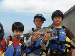 和歌山北港魚つり公園 チヌ40cm!