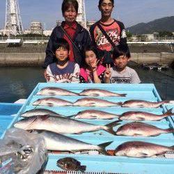 マリーナシティ 釣公園と釣り堀で満喫 アジも大漁
