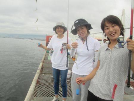 尼崎市立魚つり公園 豆アジ入れ食い