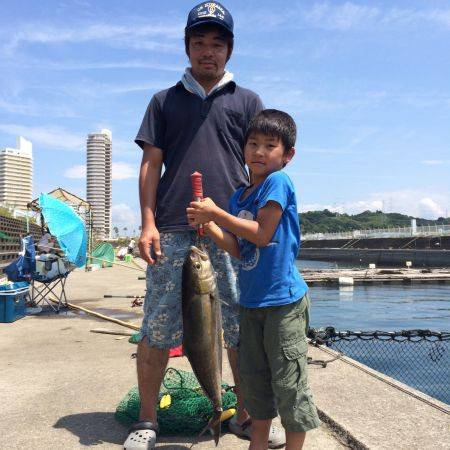 和歌山マリーナシティ海洋釣り堀 カンパチ、メジロ