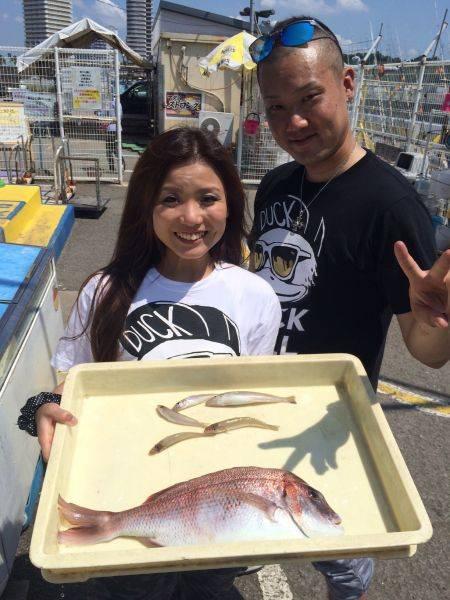 マリーナシティ釣り公園 キスと釣り体験でマダイ