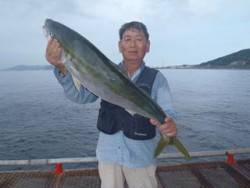 平磯海釣公園 のませでブリ92.5cm