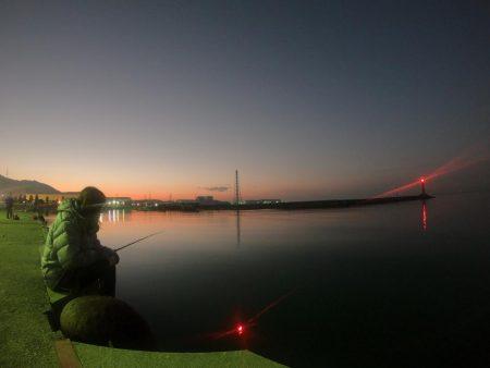 夕やけ眺め、2時間の釣り